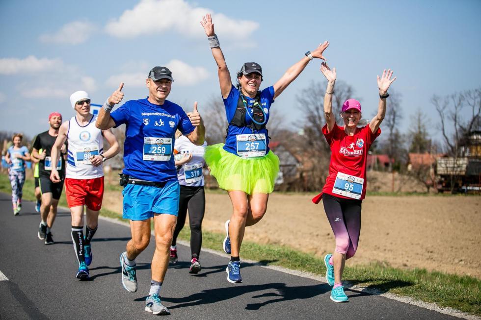VII Półmaraton Jeleniogórski iDziesiątka Staropolanki, czyli biegowa niedziela pod Karkonoszami